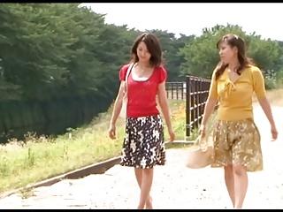 Japanese Lesbians (How she..