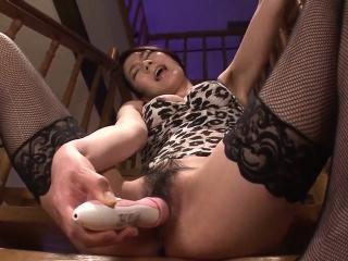 Kei Akanishi finger fucks,..