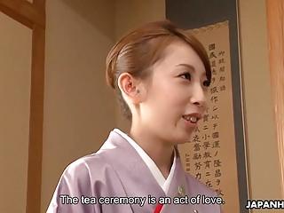 Lady Yui getting a..