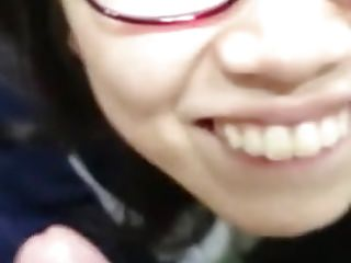 Cute chinese glasses girl bj..