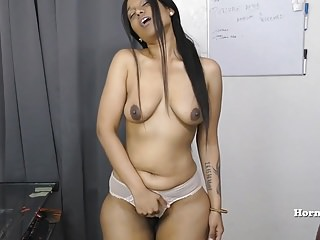 Indian Aunty seducing say no..