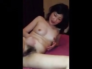 Chinese woman shows pussy..