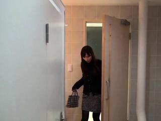 Asian hotties pee on cam
