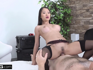 Beautiful Asian Pussykat..