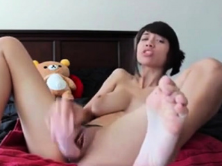 Horny Asian babe has a..