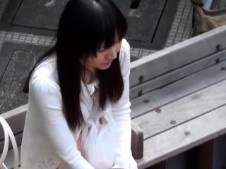 Asian skank peeing in her..