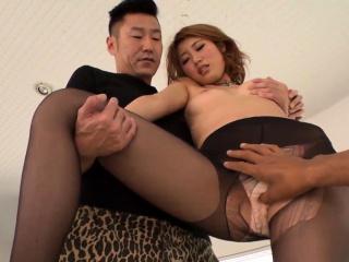 Kanako Kimura tries heavy s-..