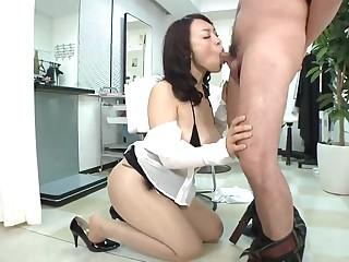 Reiko Nakamori Sexy Barber..