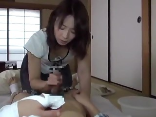 7 - Japanese Milf Be on..