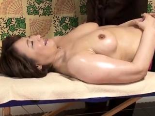 Massage girl Gigi pulls..