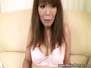 Mature japanese maiko..